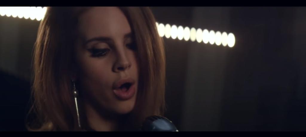 Lana Del Rey performing Video Games live